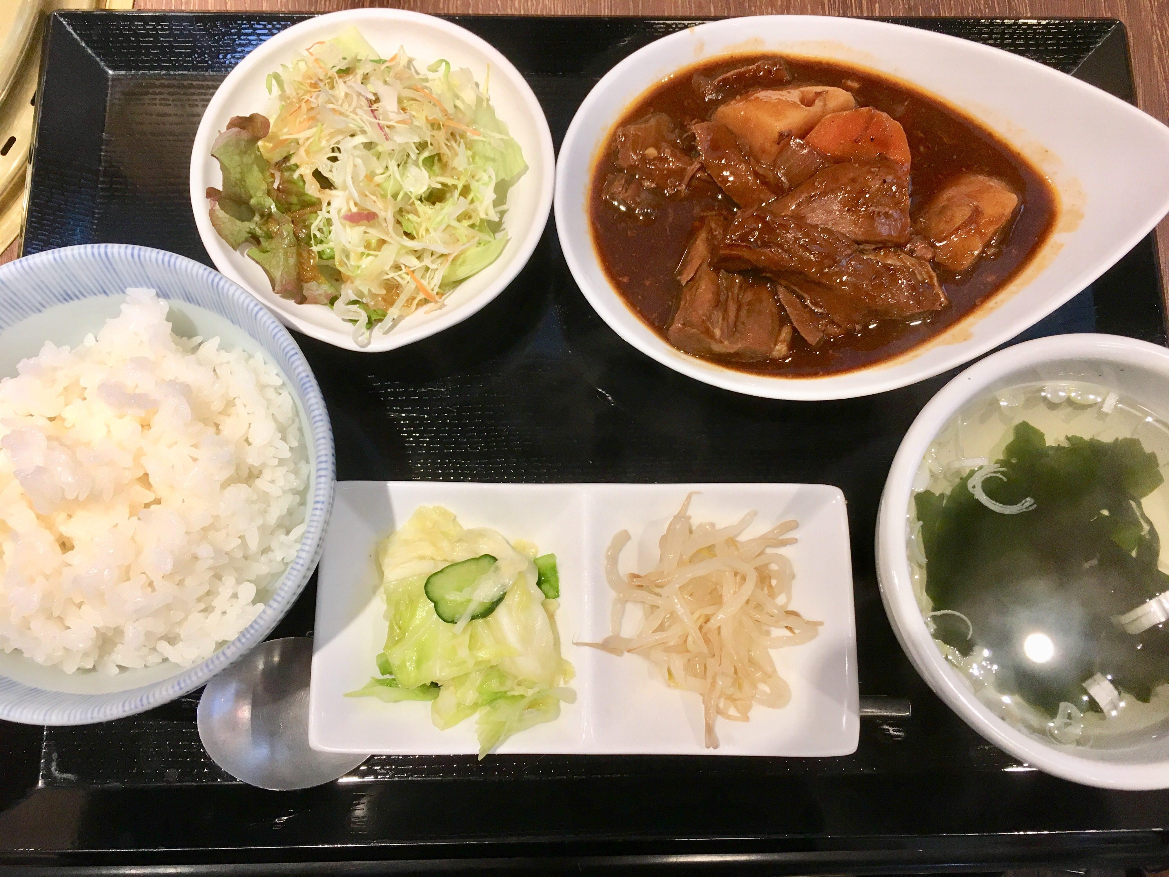 【黄金の牛】上尾駅前の焼肉&牛タンシチューランチがコスパ最高でうまい!