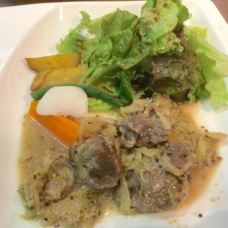 【武蔵浦和ルヴァン】ランチがうまい!コスパ最高な絶品カレー&肉料理を味わう