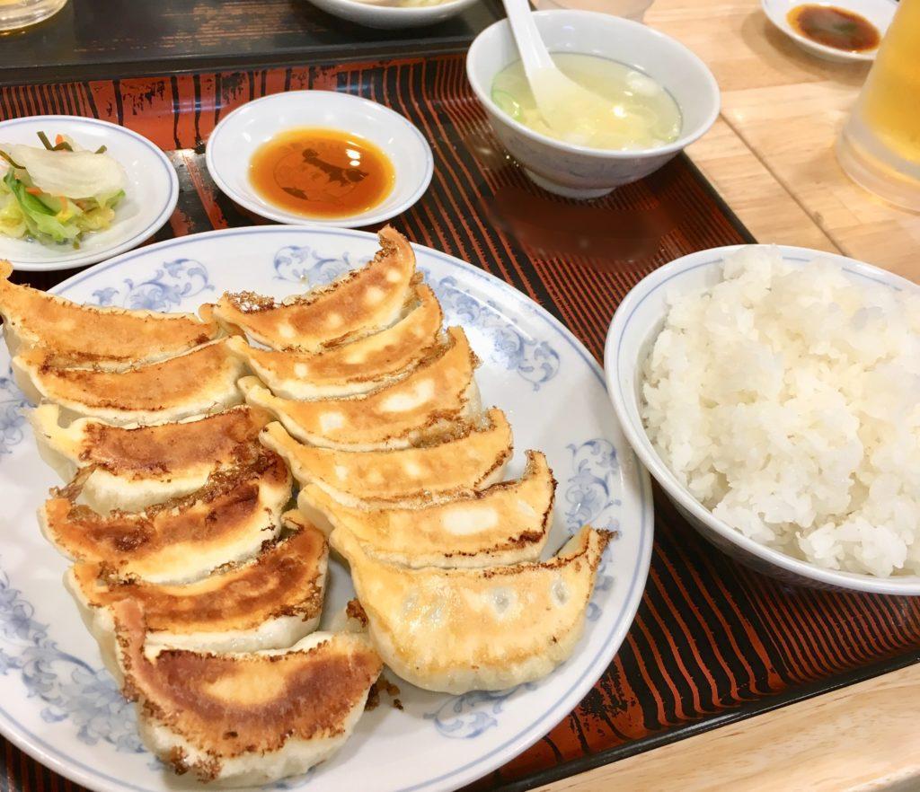 ぎょうざの満州上尾東口店のダブル餃子セット