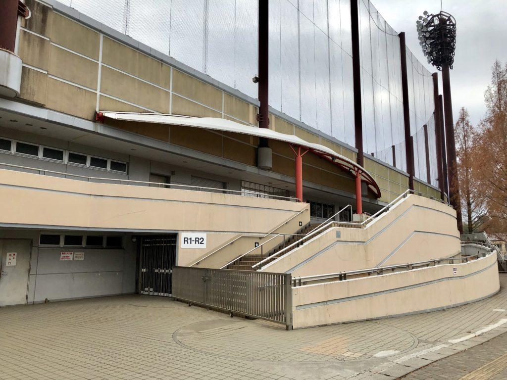 市民球場の入り口