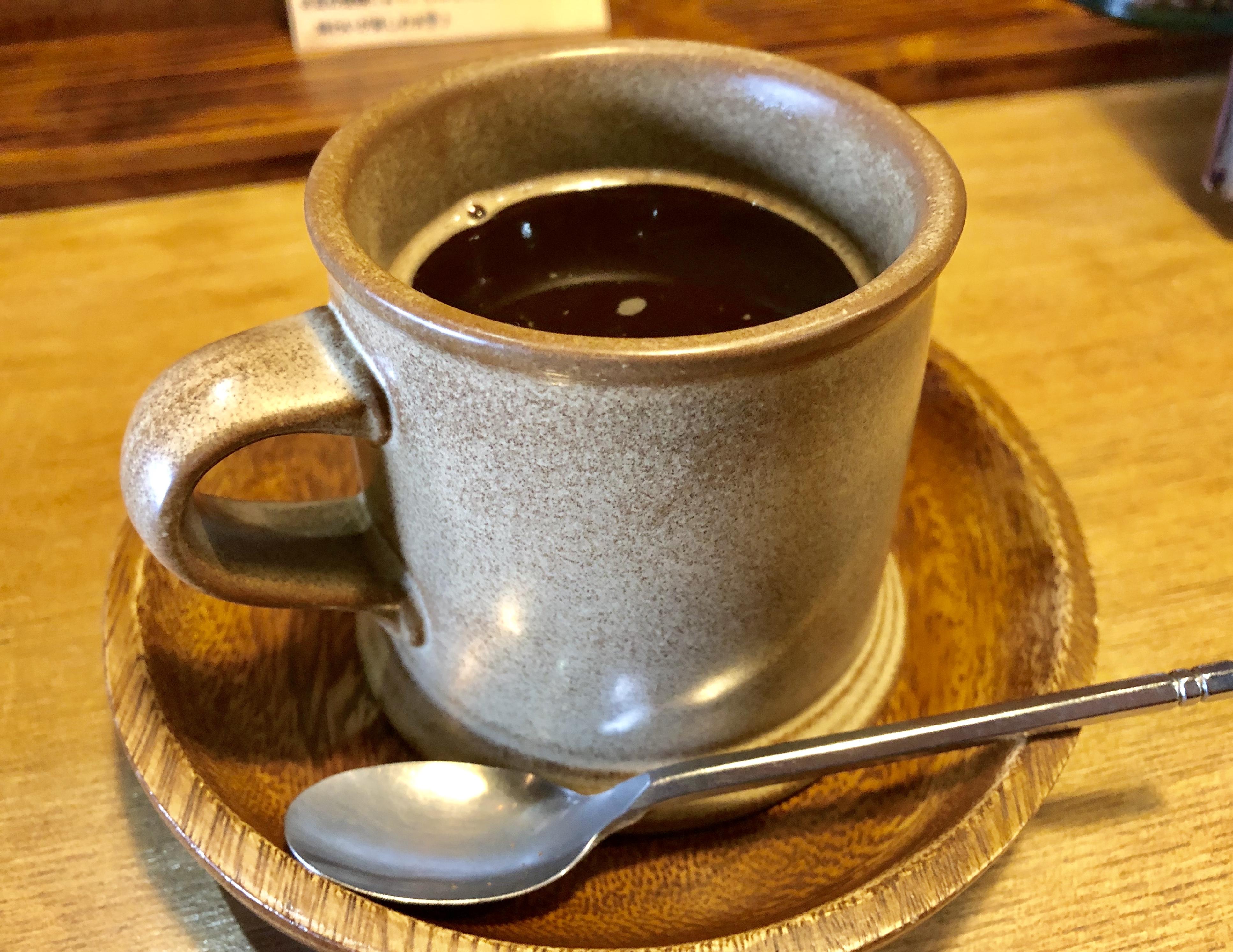 KOMIBOU(コウミボウ)のケーキ・コーヒーをレポ!駐車場の入り方も詳しく紹介