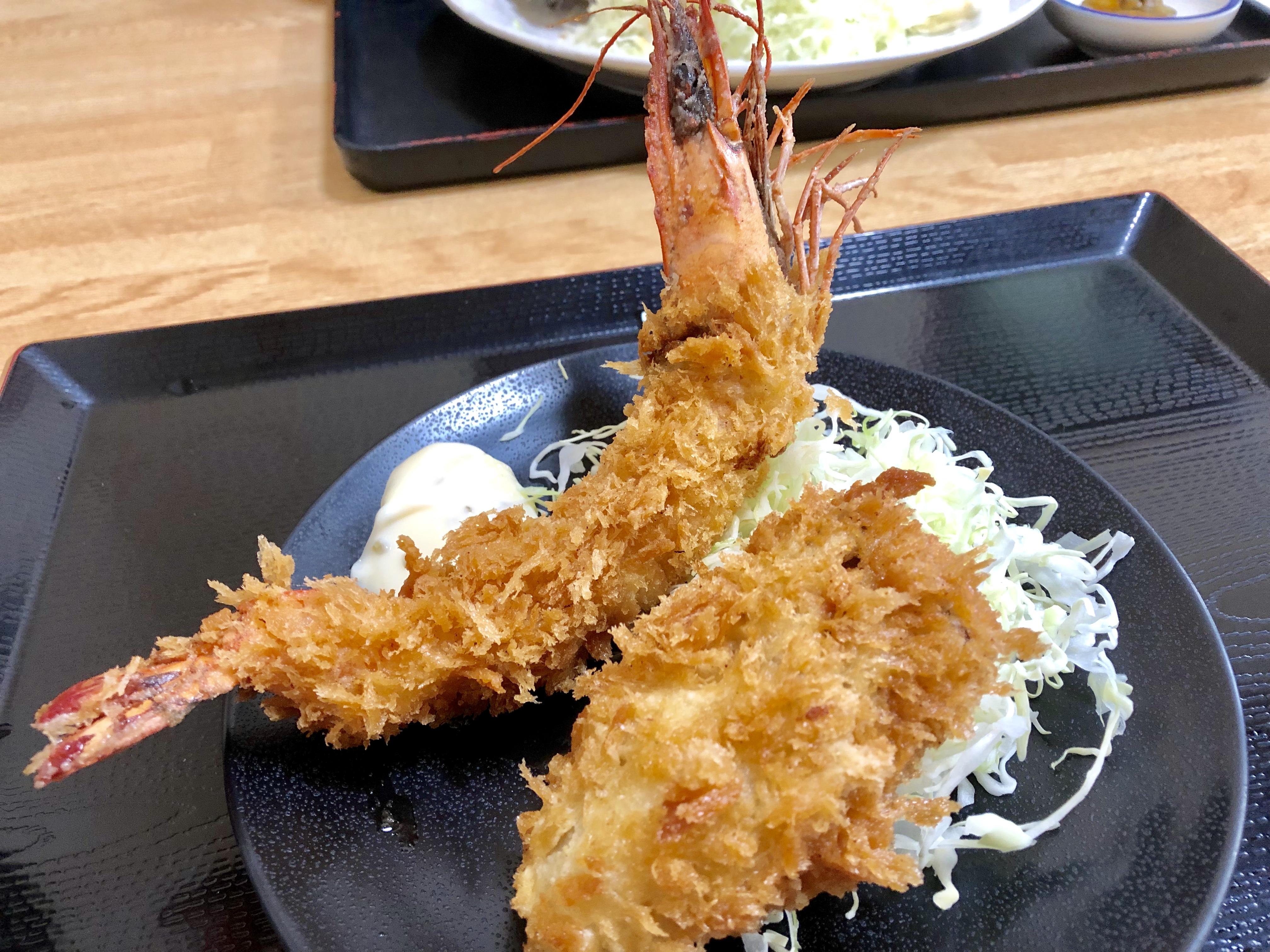 大宮市場・高はし|有頭海老フライと大粒牡蠣フライがめちゃうまい!