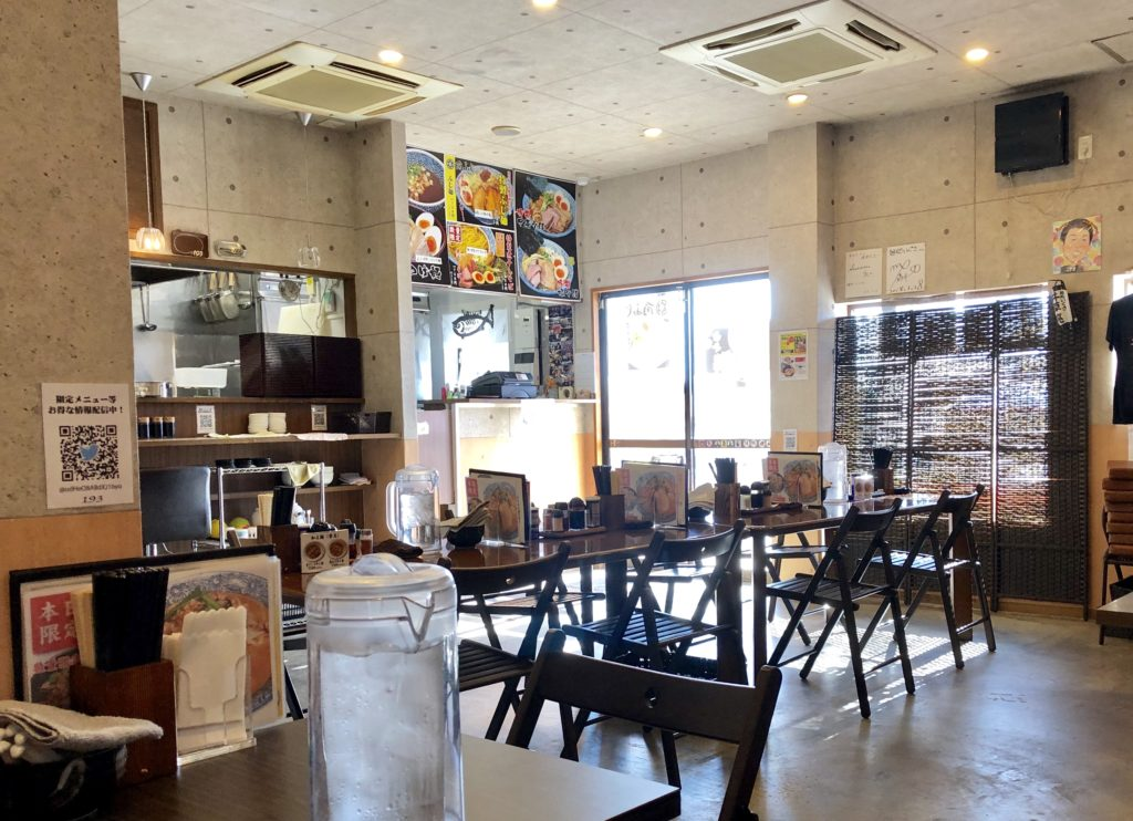 麺処いぐさの店内の様子(入り口側)