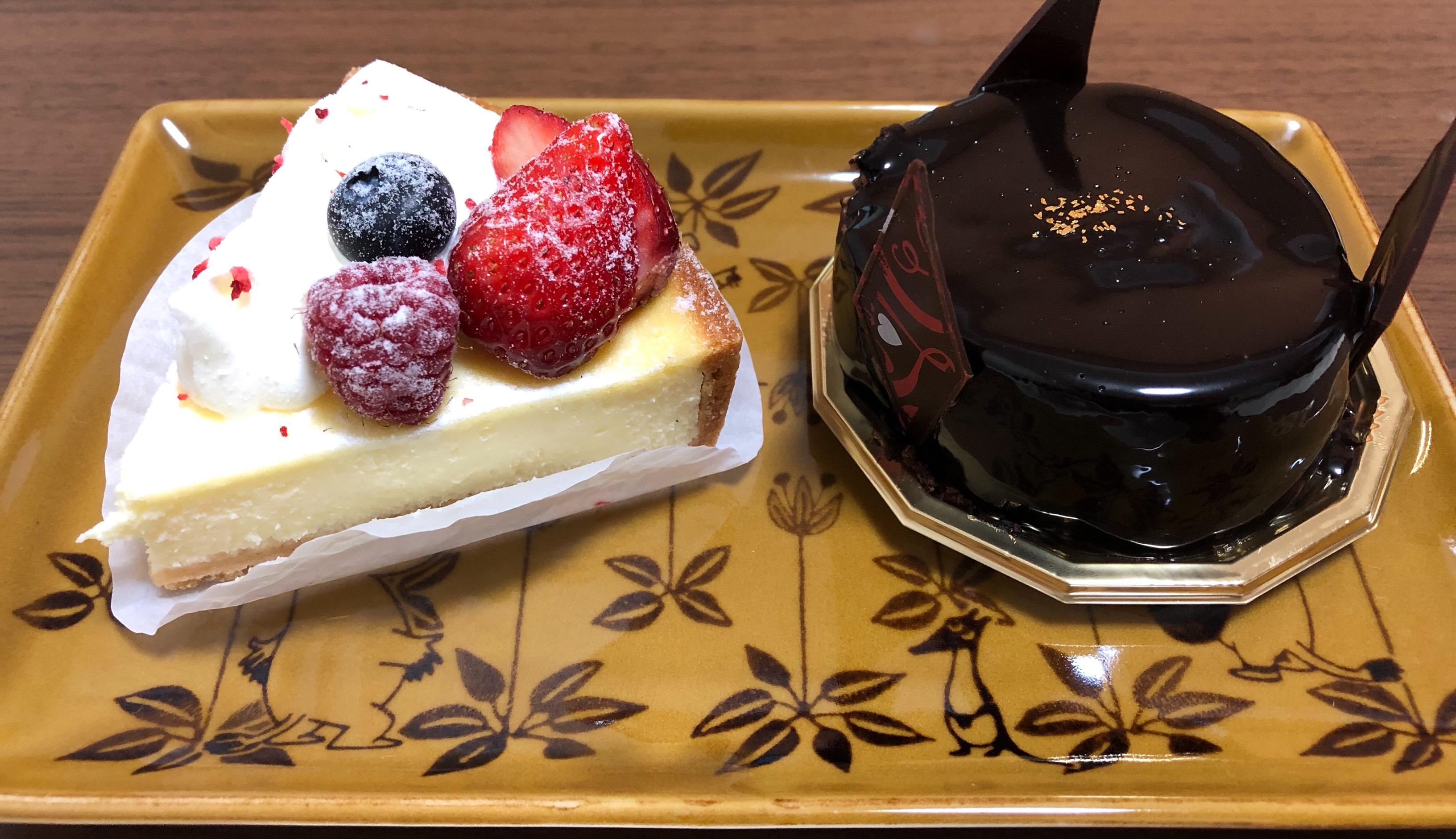 ベルパエーゼ上尾店でケーキをテイクアウトしてみた!甘さ控えめで食後のデザートにぴったり!
