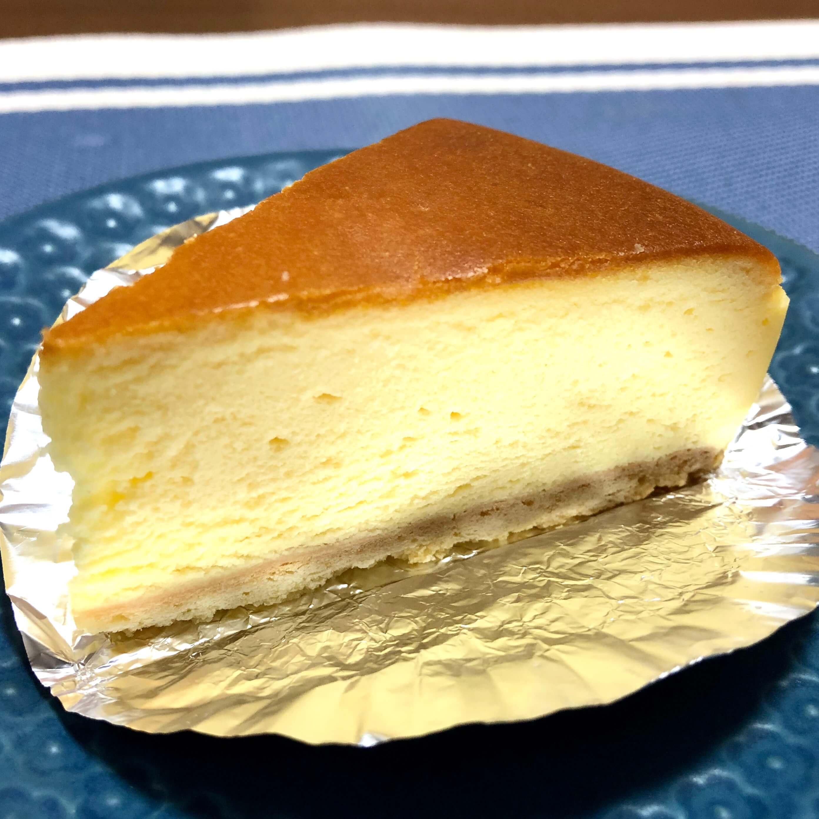 マンスリースイーツ上尾駅7月はダンテが出店!チーズケーキ2種類を食べ比べてみた!