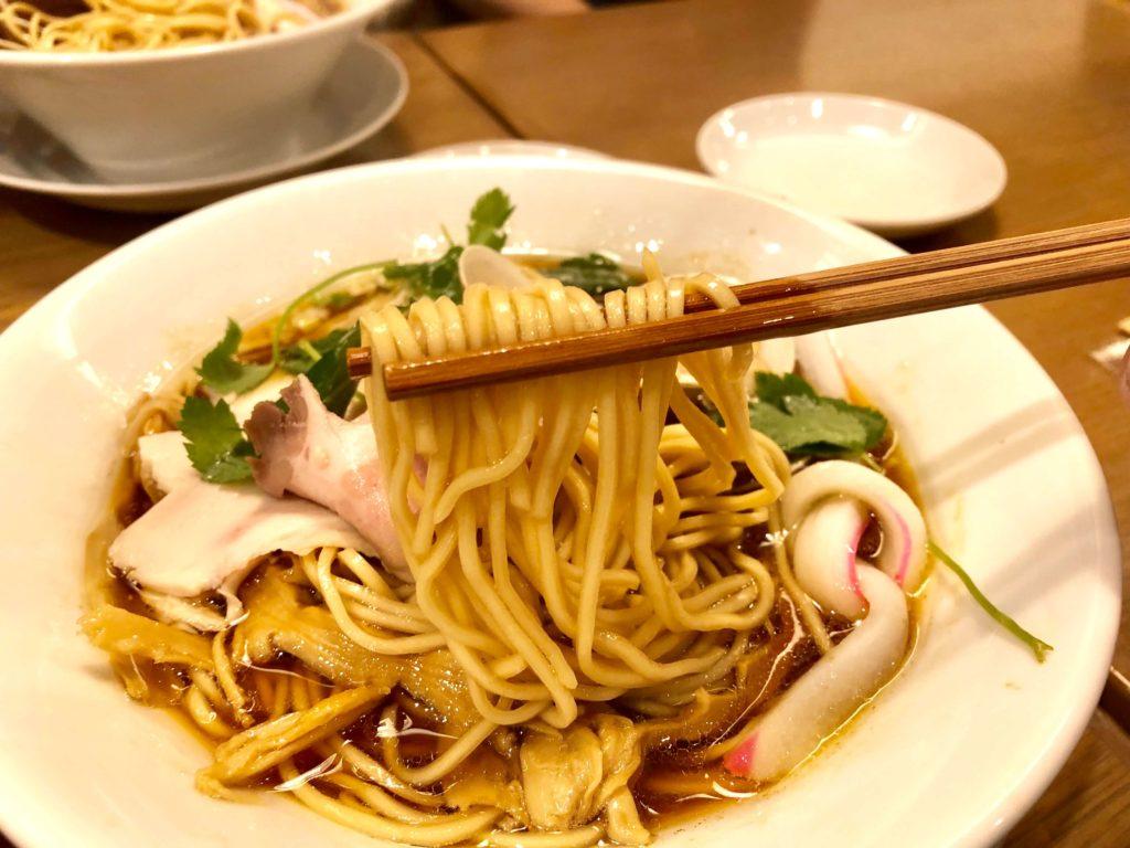 蛤・鶏・煮干しのトリプルSOBAの麺