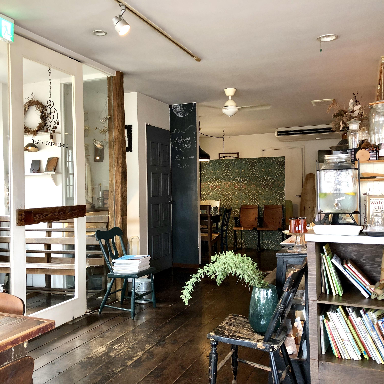 ライトニングカフェ|インスタ映え間違いなし!川越デートでおすすめの癒しスポット