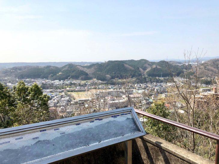 天覧山の頂上からの景色