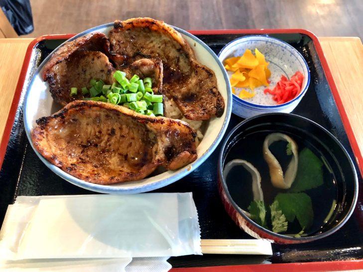 『豚みそ丼専門店 有隣』の豚みそ丼(並)